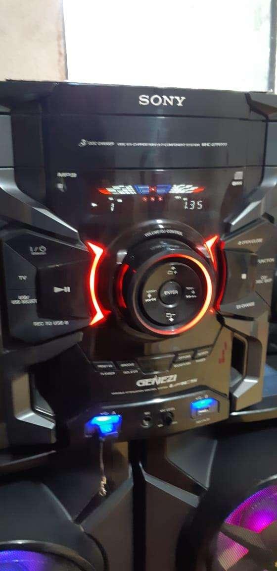 Equipo de sonido Sony de 17.000 watts - 1