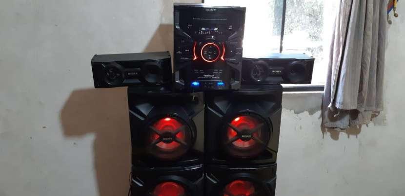 Equipo de sonido Sony de 17.000 watts - 2