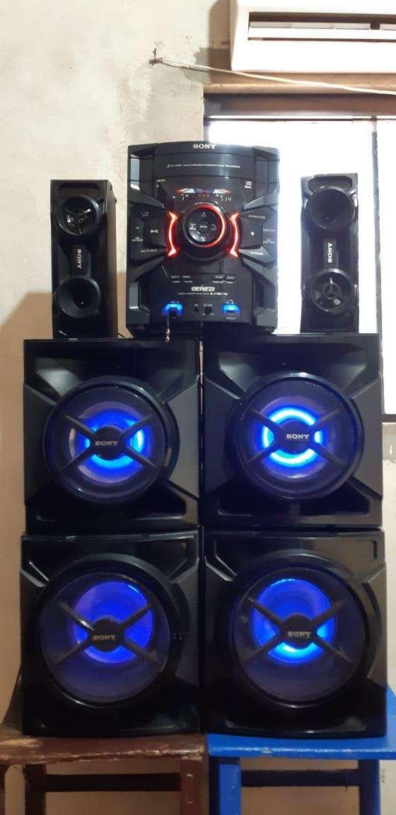Equipo de sonido Sony de 17.000 watts - 3