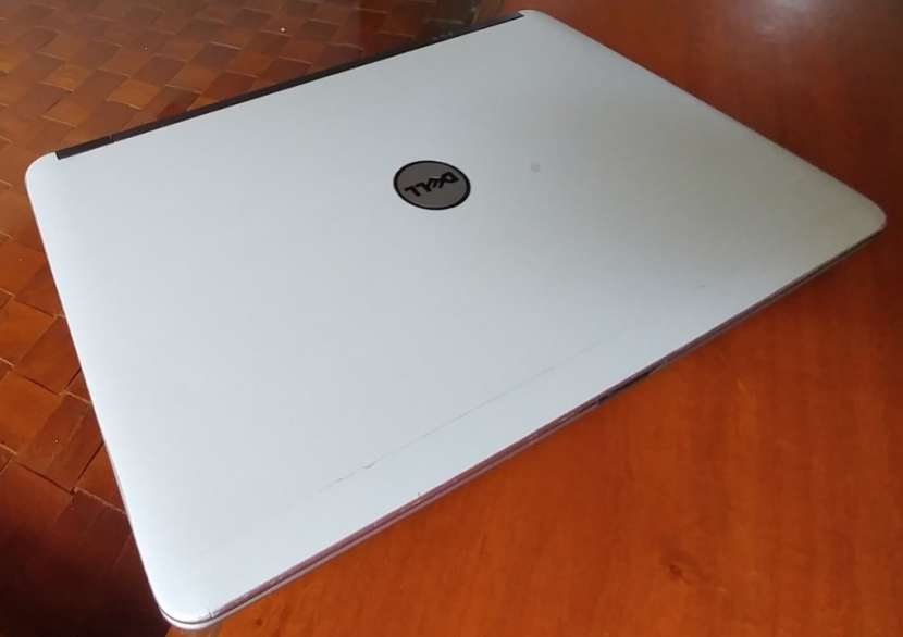 Dell Latitude E6440 Intel i5 8GB Radeon H130 - 5
