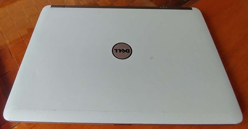 Dell Latitude E6440 Intel i5 8GB Radeon H130 - 7