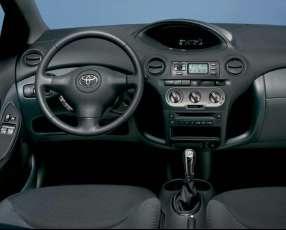 Toyota Platz 2003