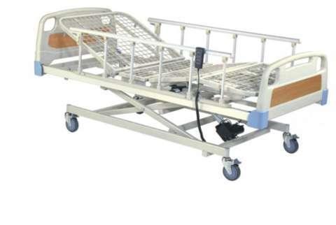 Camas hospitalarias con colchón incluido sillas de ruedas y tubos de oxígeno - 0