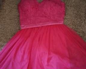 Vestido para fiesta rosado con encaje