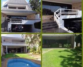 Casa en Barrio Ex Coca Cola. A una cuadra de Brasilia.