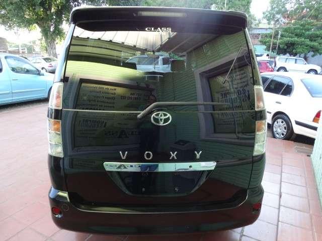 Toyota Voxy 2003 chapa definitiva en 24 Hs - 2