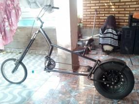 Bicicleta tipo chopper