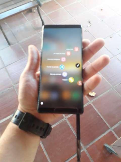 Samnsung Galaxy Note 8 - 0