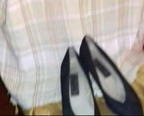 Camisa a cuadro G y zapatos negros punta fina