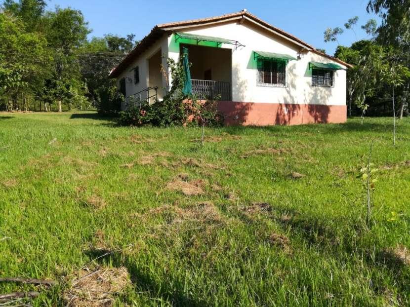 Casa en itacurubí de la cordillera J4109