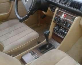 Mercedes Benz D250