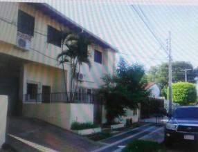 Departamento amplio en Barrio Kennedy Lambaré