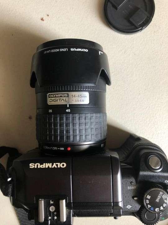 Camara Olympus E-300 Evolt con flash incorporado - 7
