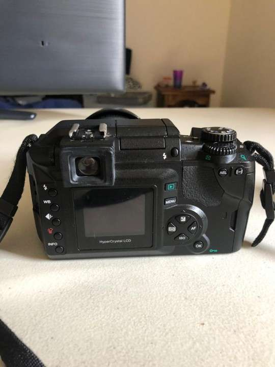 Camara Olympus E-300 Evolt con flash incorporado - 6