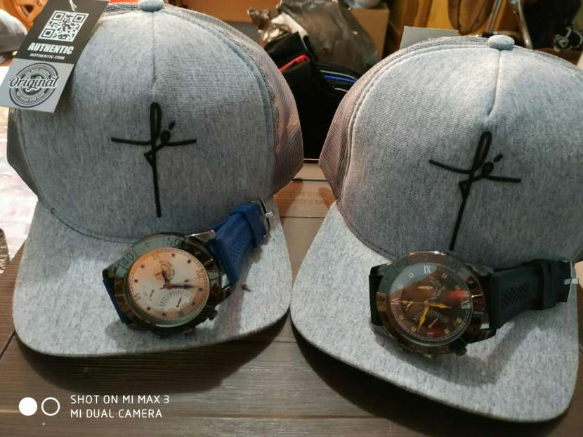 Kepis con reloj - 2