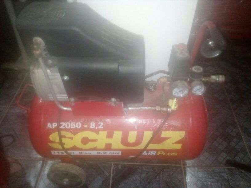 Compresor Schulz 50 lts semi nuevo
