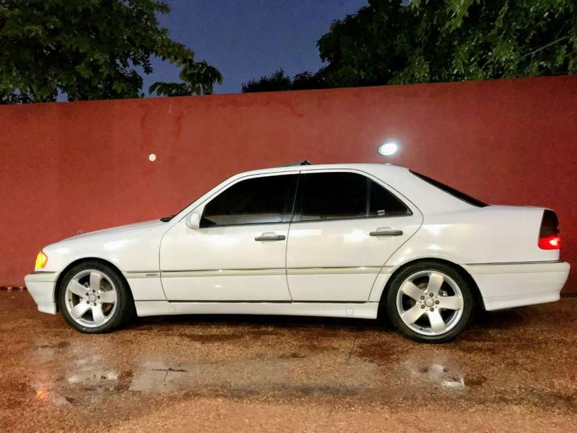 Mercedes Benz C230 98 sencillo, impecable!