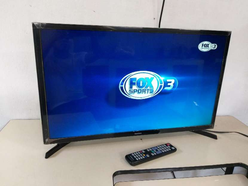TV LED Samsung de 32 pulgadas - 1
