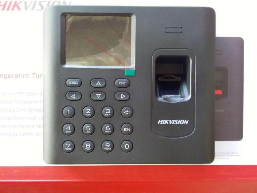 Reloj biometrico hikvision