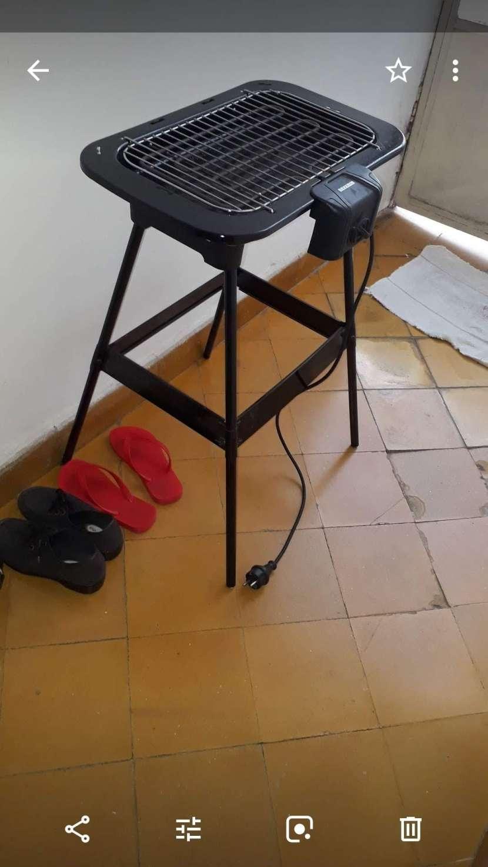 Parrilla eléctrica sin uso - 0