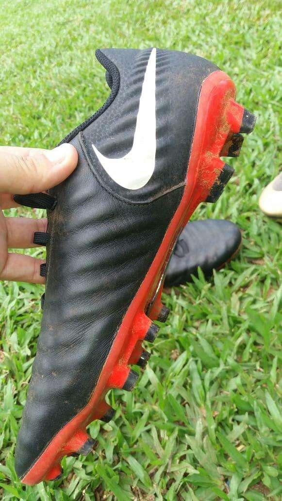 Botín Nike Tiempo - 1