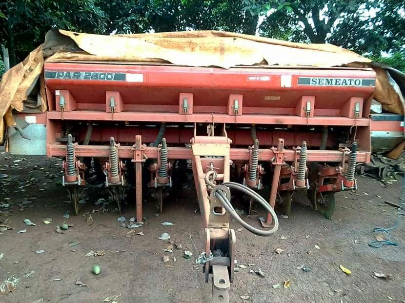 Plantadora Semeato de 7 liñas - 2