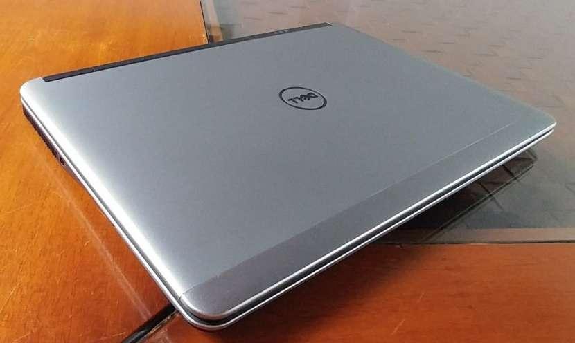 Dell Latitude E7240 Intel i5 SSD J148 - 8