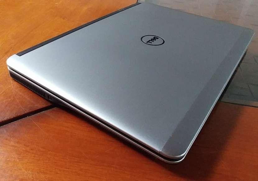 Dell Latitude E7240 Intel i5 SSD J148 - 7