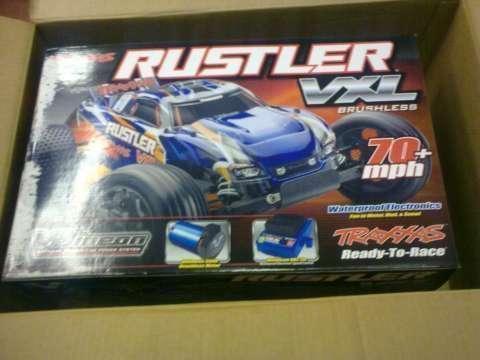 Auto a control remoto Traxxas Rustler - 0