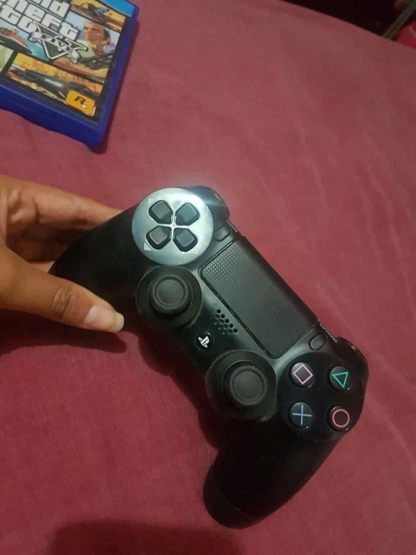 Juego y control PS4 - 2