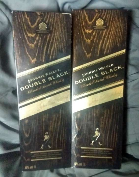 Johnnie Walker Double Black 1 litro - 0
