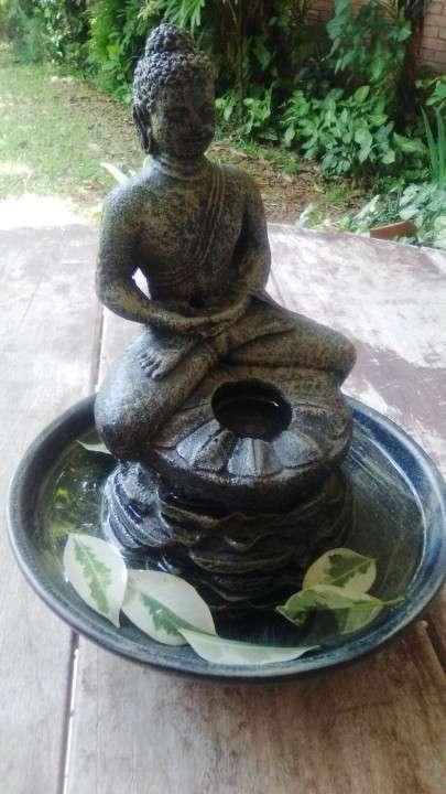 Estatua de Buda c/plato para agua - 4