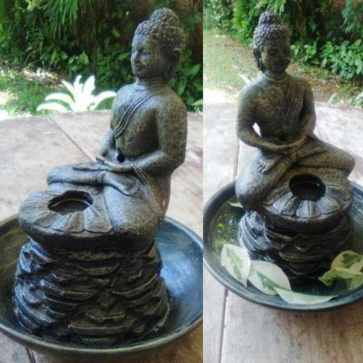 Estatua de Buda c/plato para agua - 1