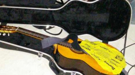 Guitarra con estuche takamine GC5 tapa - 6