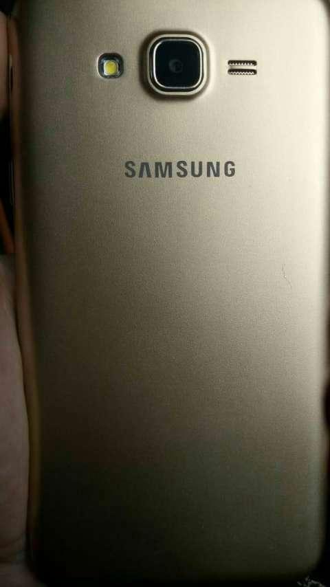 Samsung Galaxy J7 Neo de 16 gb - 2