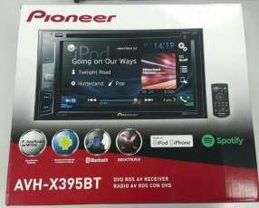 Autoradio Pioneer con pantalla
