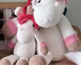 Amigurumi unicornio y Leopoldo