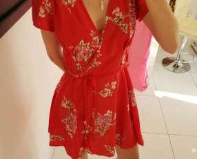 Vestido rojo flores cruzado de moda