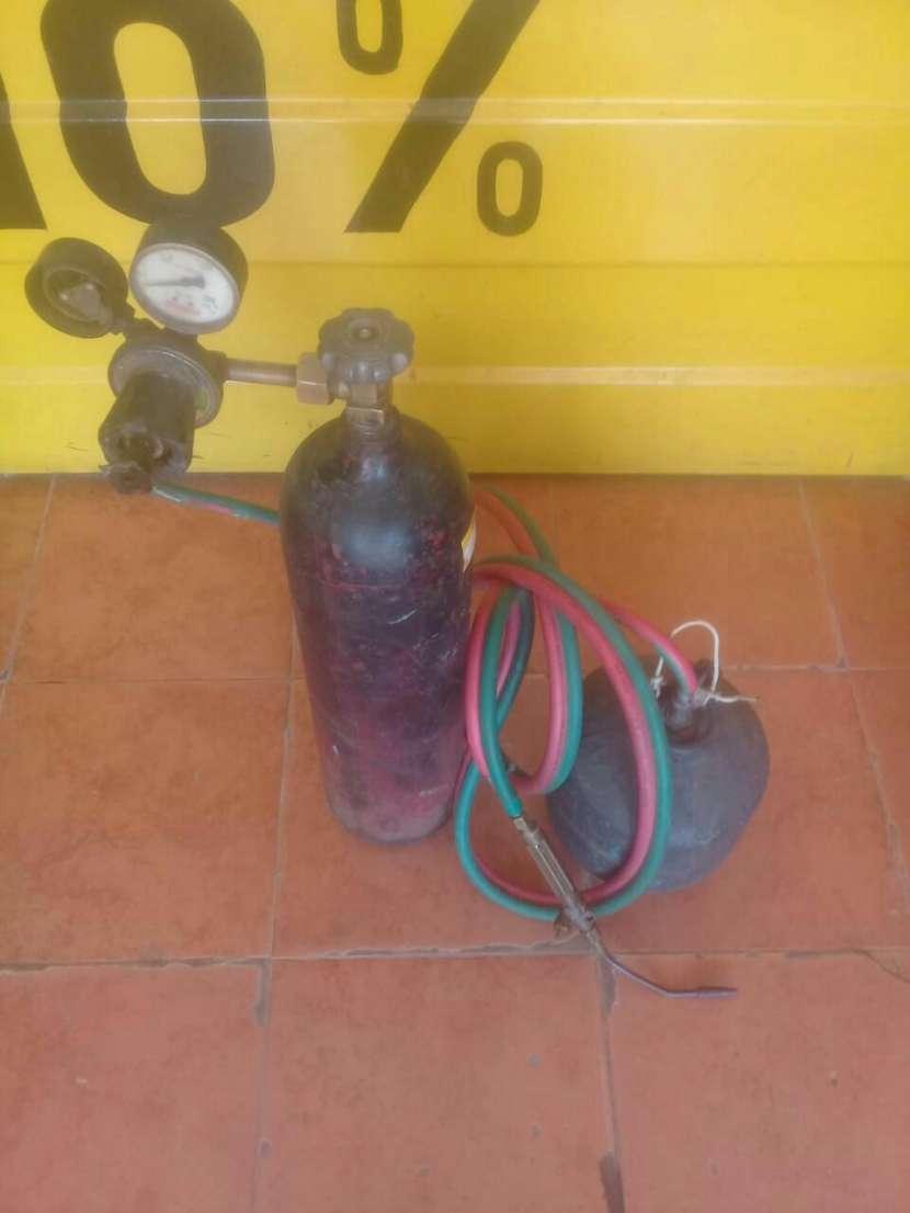 Equipo de soldadura con tubo de oxigeno - 0