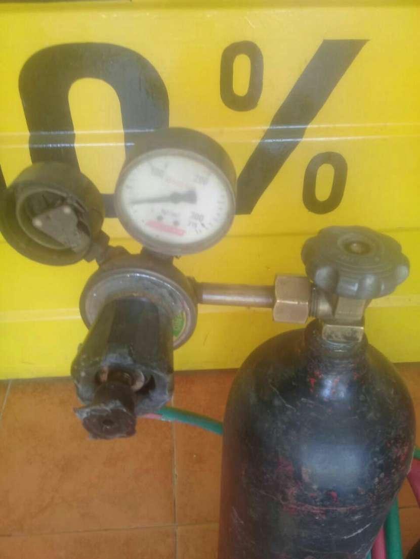 Equipo de soldadura con tubo de oxigeno - 1