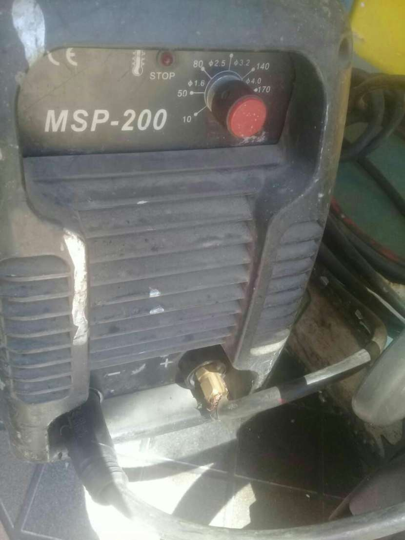 Soldador inverter Solmax 200 amper - 1