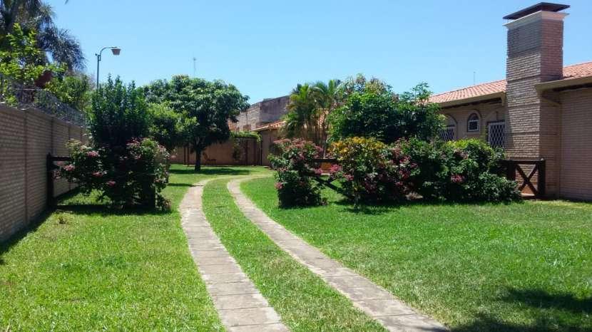 Residencia en Fernando de la Mora zona Norte - 8