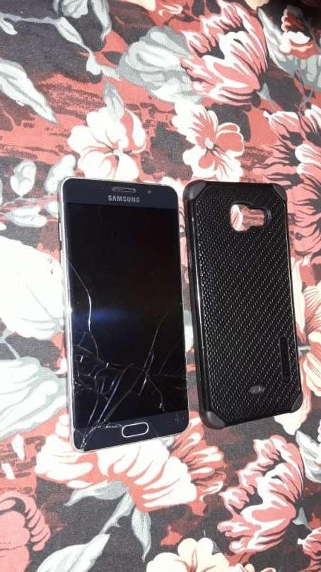 Samsung Galaxy A5 6 fisurado - 1