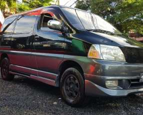 Toyota Gran Via 2000 d