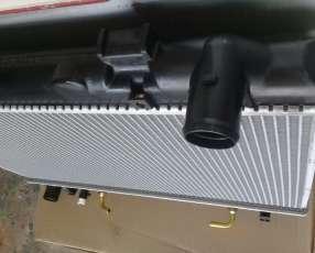 Radiador para Toyota Noah 3C