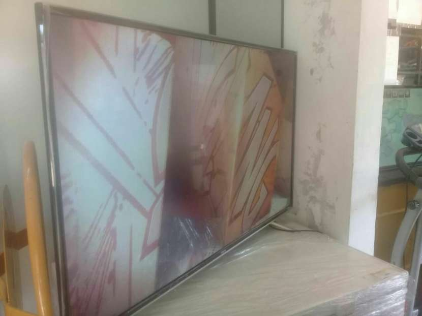 Smart TV 55 pulgadas - 0