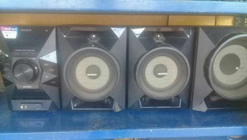 Minicomponente Sony 7700 watts - 0