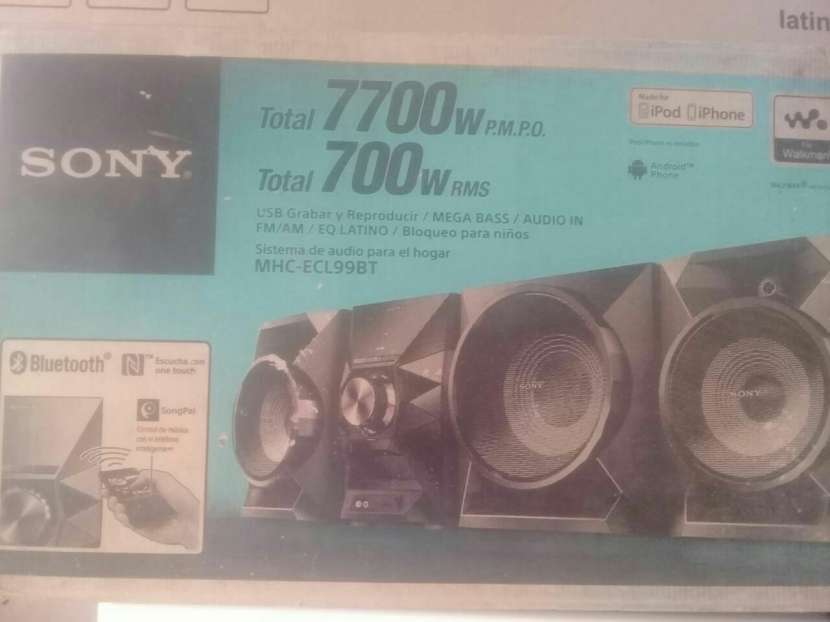 Minicomponente Sony 7700 watts - 1