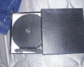Porta CD personalizado de nissan