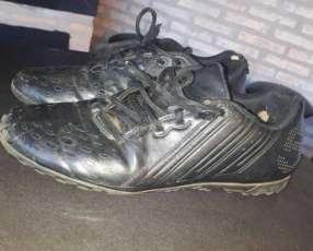 Botín Adidas black